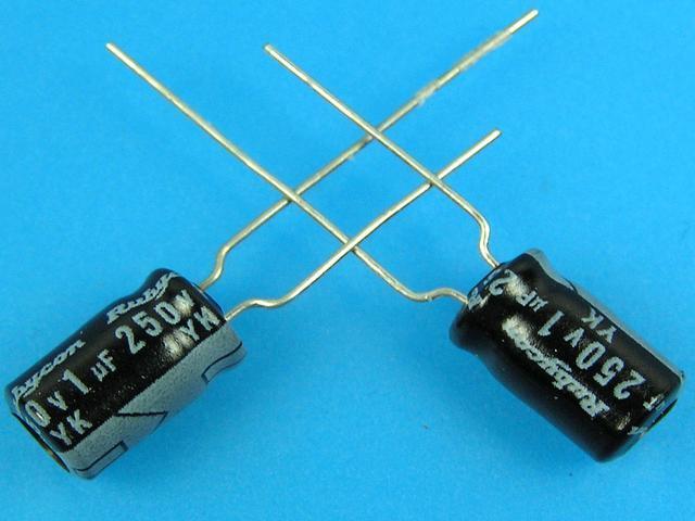 1uF/250V - 85°C Rubycon YK kondenzátor elektrolytický