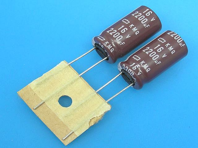 2200uF/16V - 105°C Fujicon RK kondenzátor elektrolytický