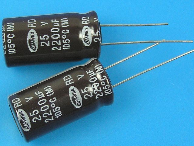 2200uF/25V - 105°C Samwha RD kondenzátor elektrolytický