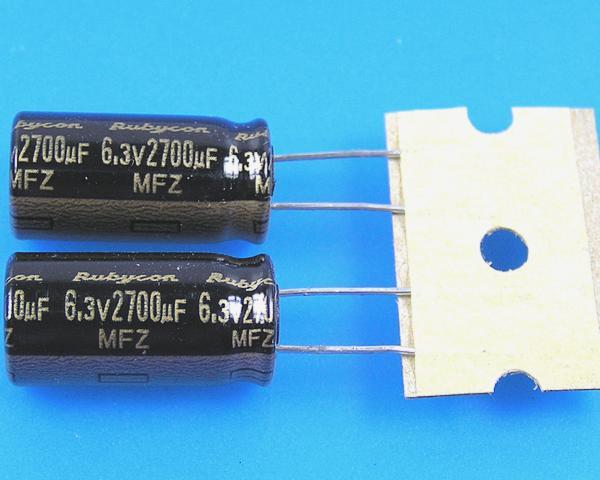 2700uF/6,3V - 105°C Rubycon MFZ kondenzátor elektrolytický, low ESR, high ripple current