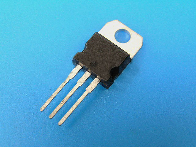 7918 Stabilizátor LM7918CT