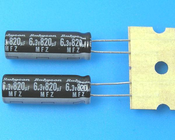 820uF/6,3V - 105°C Rubycon MFZ kondenzátor elektrolytický, low ESR, high ripple current