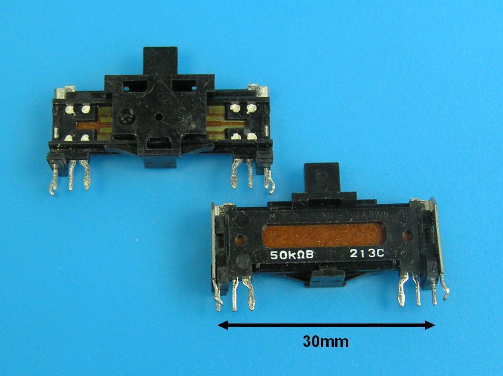 Potenciometr stereo tahový 50k / B č.49 s aretací střední polohy