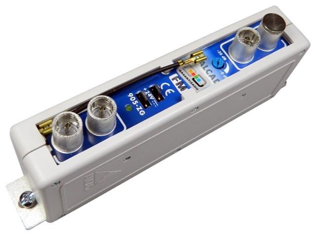 ZG-201 Alcad zesilovač FM, IEC konektory