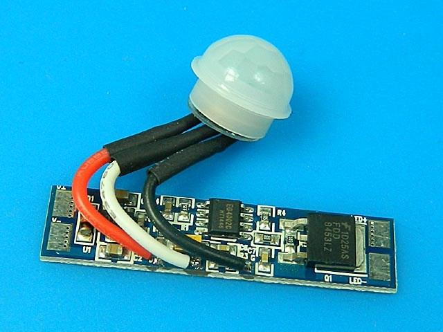 spínač s PIR čidlem pro LED osvětelní do Al profilů AP01